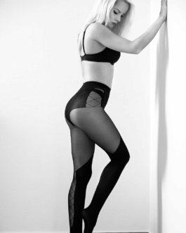 Sexy Blonde Frau In Dessous 3