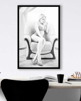 Sexy Blonde Frau In Dessous 4